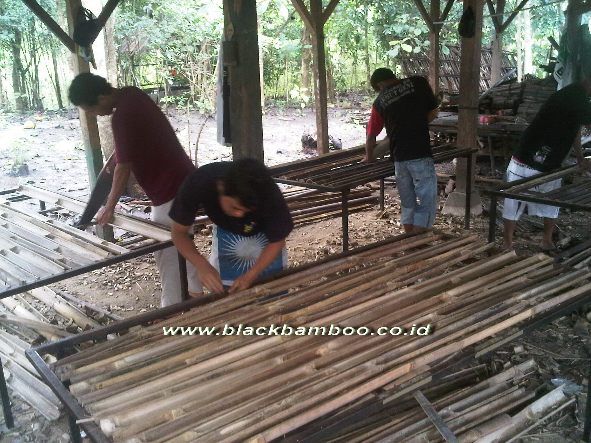 FENCE PRODUCTION WITH METAL FRAME