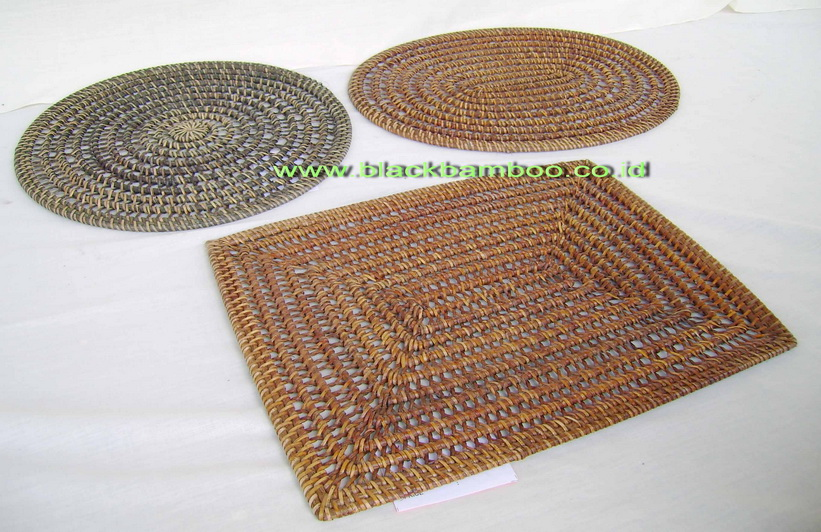 PLACE MAT AND GLASS COSTER